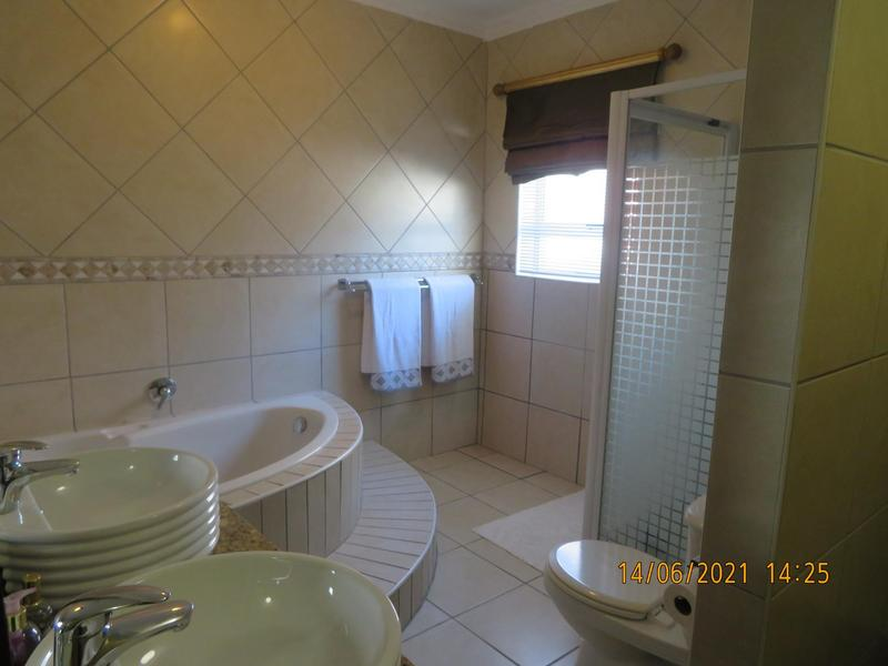 Property For Sale in Zevenzicht, Kuilsriver 27