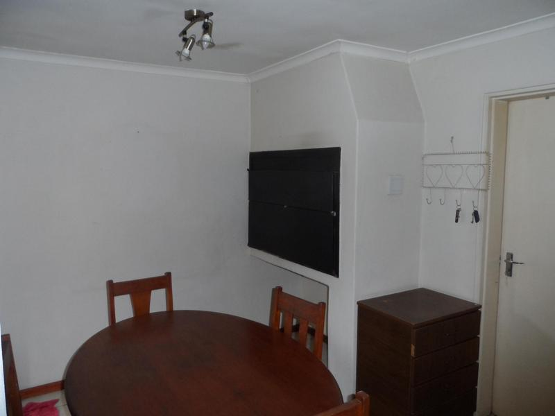 Townhouse For Sale in Eikenbosch, Kuilsriver